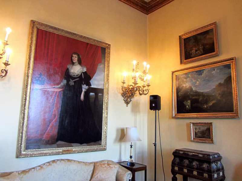 Interior of Thun Palace