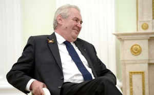Zeman: Accepting refugees plays into Islamic State's hands