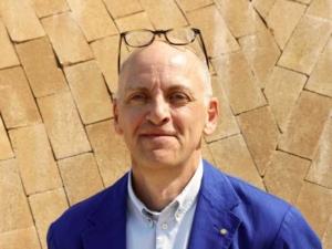 Jonathan Ledgard
