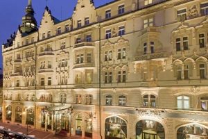 hotel-paris-front