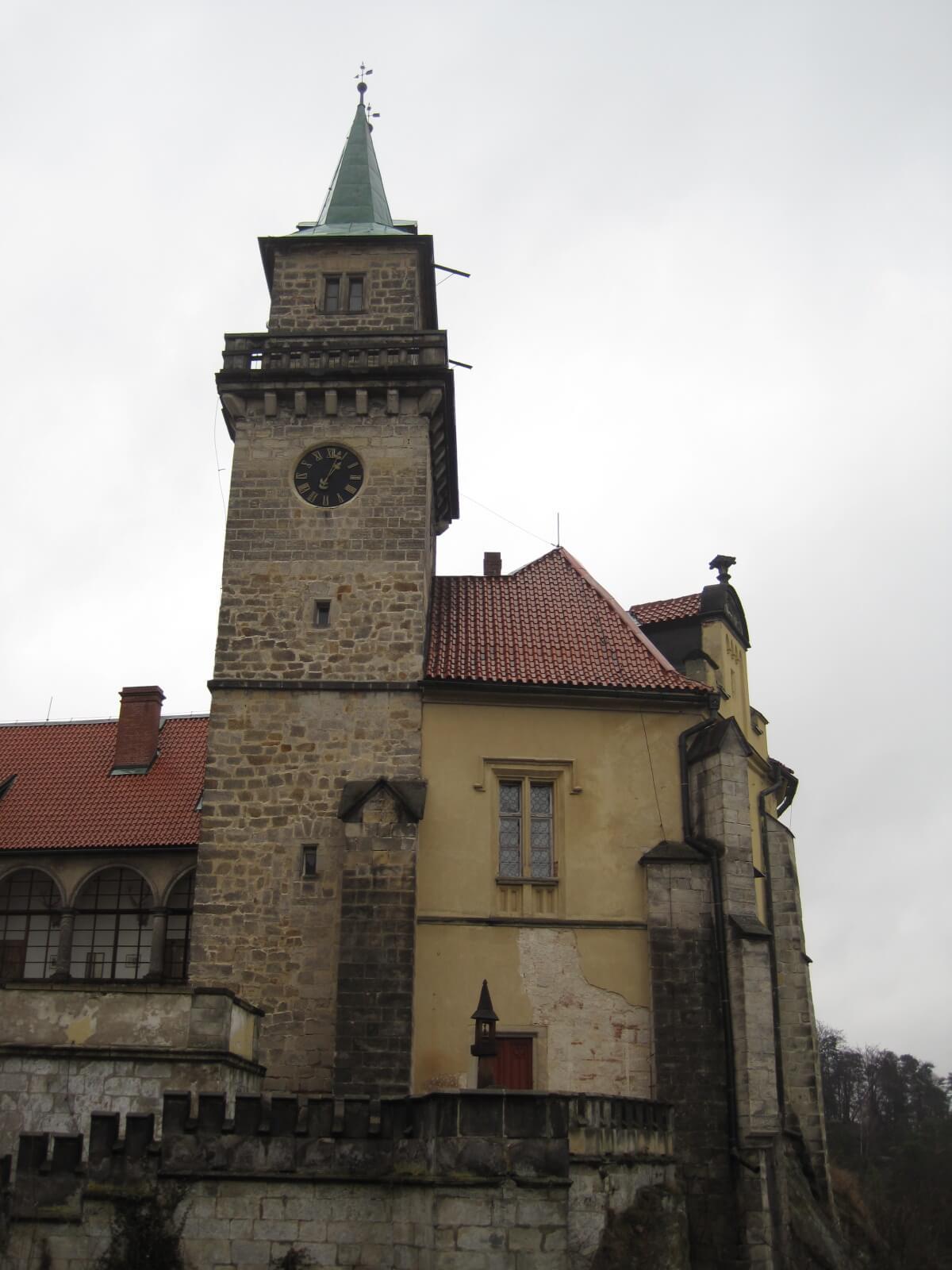Malá Skála Castle