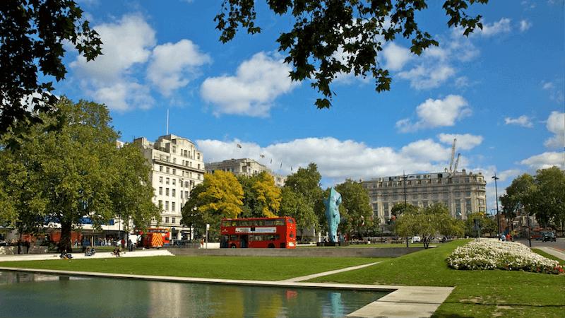Hotels Near Central Bridge