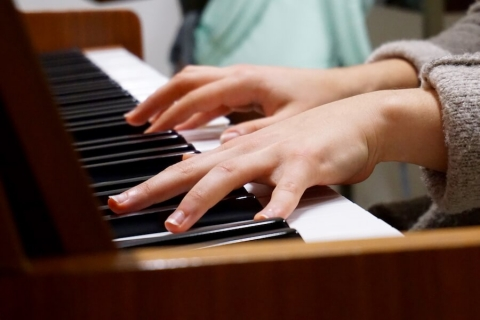 music piano hands