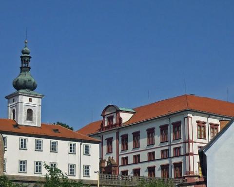 Zakupy Castle