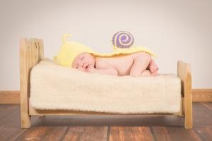 cotton bed baby sleeps