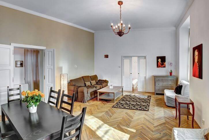 Mozart Historic Apartment
