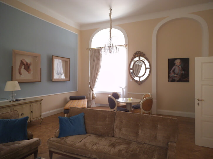 Mozart living room