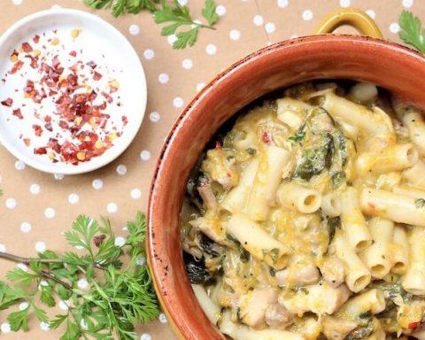 pasta in pot